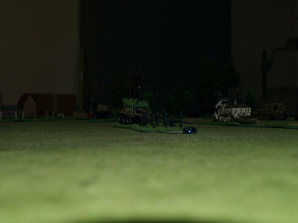 Les troupes du Panzer Génie vont tenter d'approcher des défenses russes...