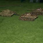 Les Panther sont restés en arrière pour couvrir le reste des blindés. Espérons qu'ils ne subiront aucune panne au moment crucial !