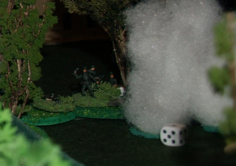 les troupes allemandes dans le bocage sont gênées par les fumigènes.